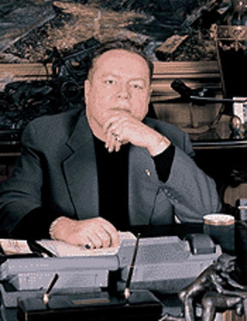 Larry Flynt believes his anti-Bush book will ignite the  public.