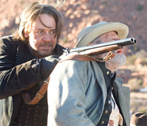Russell Crowe goes bad in the remake of 3:10 to Yuma.