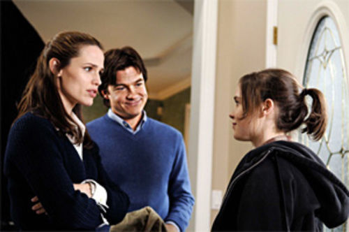 Jennifer Garner, Jason Bateman and Ellen Page deal with teen pregnancy in Juno.