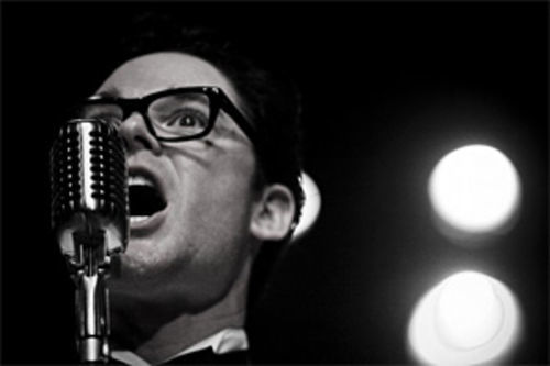 Bennett Dunn as a too-cute Buddy Holly.