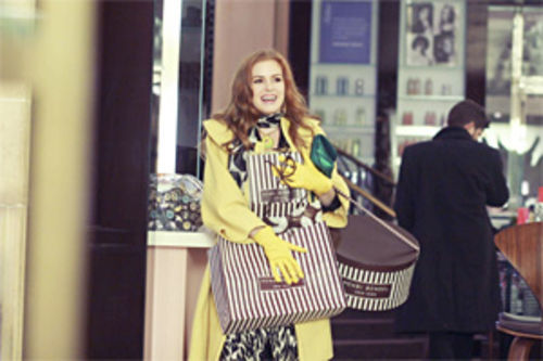 Isla Fisher stars in Confessions of a Shopaholic.