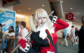 Thumbnail for Ladies of Batman at Comic-Con