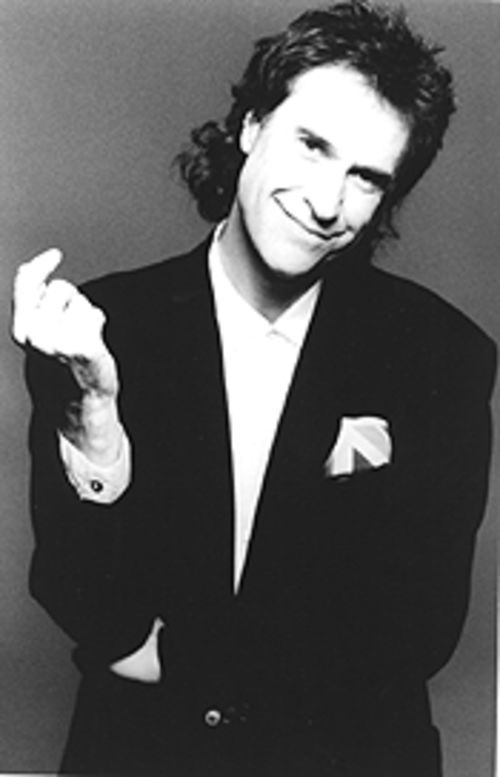 Working (with)out the Kinks: Ray Davies has temporarily exchanged his front-man role for a solo jaunt as a storyteller.