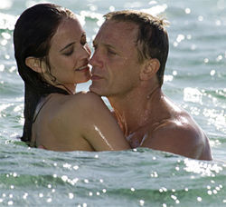 Daniel Craig's Bond: Incomparably hot, unquestionably cool.