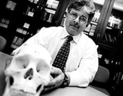 Epileptologist Mark Spitz used a cow brain to explain McClelland's injury to the jury.