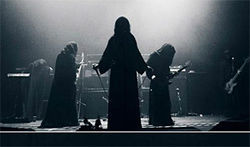 Sun O))) or Jawas? Only their mothers know.
