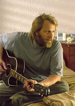 Jeff Daniels looks a lot like The Dude in The Lookout.