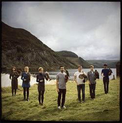 Birds of a feather: Los Campesinos!