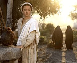 Keisha Castle-Hughes is the Virgin Mary.