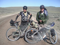 During the 2012 Tour Divide, Simoni reunited with Dave Nice in Wyoming.